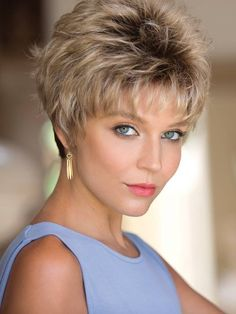 Most Cool Short Hairstyles For Women In 2019 09 Short Brown Hair, Short Hair With Layers, Short Blonde, Short Hair Cuts For Women, Dark Blonde, Thick Hair, Straight Hair, Cool Short Hairstyles, Pixie Hairstyles