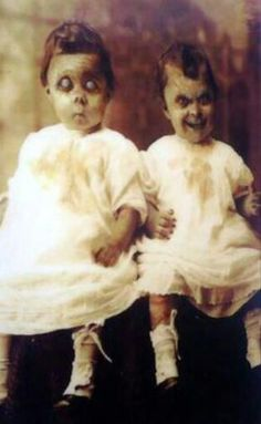 Some baby pictures are just not cute. This pic gives me the creeps!