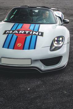 artoftheautomobile: Porsche 918 Spyder via Qiuyang Jin