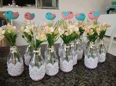 garrafinhas de leite de coco com renda e passarinhos