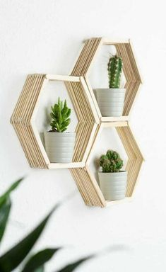 DIY Waben Wandregal aus Eisstäbchen basteln DIY wall shelf in honeycomb shape – great, cheap DIY room decoration idea from ice sticks. With this shelf, you can put all your small plants and decorative items wonderful scene # decoration – Diy Tumblr, Honeycomb Shape, Tumblr Rooms, Diy Wall Shelves, Diy Room Decor, Home Decoration, Wall Decor, Decorating Tips, Diy Gifts