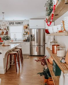 Kitchen Decor Ideas Holiday Home Tour: Rhiannon Lawsons Bohemian Farmhouse.Kitchen Decor Ideas Holiday Home Tour: Rhiannon Lawsons Bohemian Farmhouse Modern Farmhouse Kitchens, Home Kitchens, Farmhouse Design, Farmhouse Decor, Farmhouse Interior, Kitchen Modern, Farmhouse Ideas, Updated Kitchen, Farmhouse Style