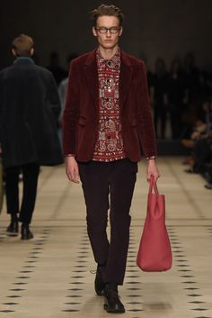 Burberry Prorsum LCM F/W15-16 - www.so-sophisticated.com