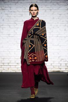 Batik Fashion, Abaya Fashion, Vogue Fashion, Ethnic Fashion, Modest Fashion, African Fashion, Boho Fashion, Winter Fashion, Fashion Outfits