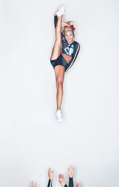 Cheerleading. Follow me in my TWITTER @NayviessGarcia y les dare  Follow aqui  :D