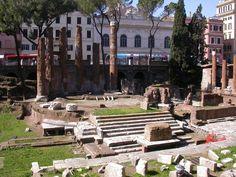 TEMPLE B: Fortune hiuiscu dieu / 100AC / tholos romanisé : podium/  contenant une statue de la bonne fortune et l'Athena que Paul Emile avait ramenée / statues étaient exposées au fond/ rotonde a été agrandie (mur entre les colonnes)