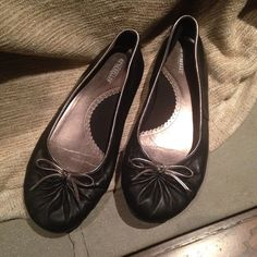 Seychelles Black Ballet Flats Black leather with gold trim and bow. Great condition. Seychelles Shoes Flats & Loafers