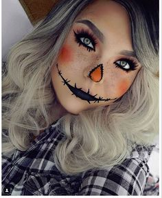 This pretty AF scarecrow. This pretty AF scarecrow. & 21 Ridiculously Pretty Makeup Looks To Try This Halloween The post This pretty AF scarecrow. & Bodypainting & Make-Up appeared first on Halloween costumes . Halloween 2018, Scarecrow Halloween Makeup, Halloween Makeup Looks, Diy Halloween Costumes, Happy Halloween, Halloween Decorations, Cute Scarecrow Costume, Scary Halloween, Halloween Nails