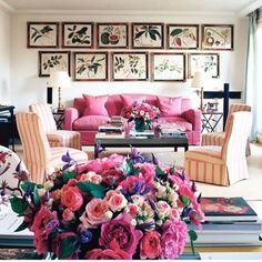 Lee Radziwill Paris apartment with botanical prints Lee Radziwill, Hall Interior, Interior Design, Paris Home Decor, French Country Living Room, World Of Interiors, Dining Room Walls, Classic Interior, House And Home Magazine