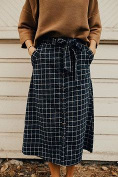 Midi Skirt with Pockets | ROOLEE
