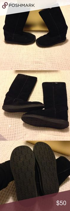 Like New Emu Size 7 Wool Boots Worn 1x Never exposed to water or inclement weather.  Worn 1x for less than an hour.  Excellent like new condition.  Wool lined.  Size 7. So warm and cozy.  Fantastic quality! Emu Shoes Winter & Rain Boots