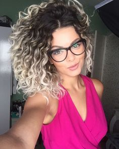 33 trendy ombre hair color ideas of 2019 - Hairstyles Trends Curly Hair Styles, Ombre Curly Hair, Colored Curly Hair, Short Curly Hair, Natural Hair Styles, Deep Curly, Ombré Hair, Hair Day, Wavy Bob Hairstyles