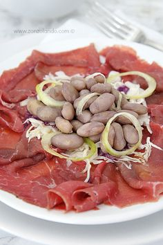 Carne salada e fasoi - Salt beef carpaccio and beans (typical trentino dish) | From Zonzolando.com
