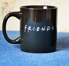 Friends Tv Show Series Black Ceramic Coffee Tea Cup Mug Friends Logo Friends Tv Show, Tv: Friends, Cute Coffee Mugs, Cool Mugs, Coffee Cups, Friends Merchandise, Friend Logo, Cute Cups