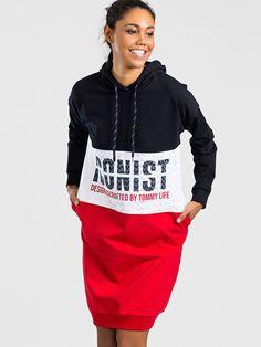 Značkové športové šaty s kapucňou Hoodies, Sweaters, Fashion, Moda, Sweatshirts, Fashion Styles, Parka, Sweater, Fashion Illustrations