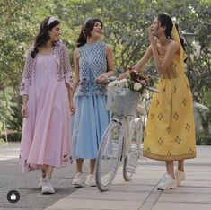 Summer Wear, Spring Summer, Churidhar Designs, Bridesmaid Dresses, Wedding Dresses, Bring It On, Heroines, Retro, How To Wear