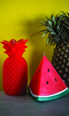 Add a sunny disposition to your home with this Small Watermelon Candle. Shaped in a slice of watermelon, this fruity candle evokes a fresh & delicious watermelon fragrance with a 30 hour burn time. Essential Oil Candles, Essential Oils Soap, Homemade Candles, Diy Candles, Candle Making Business, Candle Diffuser, Homemade Soap Recipes, Summer Fruit, Home Made Soap