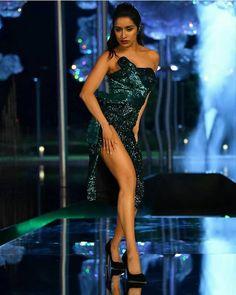 Indian Bollywood Actress, Indian Actress Hot Pics, Bollywood Actress Hot Photos, Bollywood Girls, Beautiful Bollywood Actress, Most Beautiful Indian Actress, Bollywood Celebrities, Bollywood Fashion, Indian Actresses