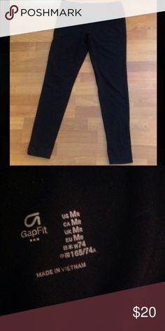 Size Medium Gap Fit Leggings Size medium gfast leggings from Gap. Made from 85% polyester and 15% spandex. Purchased online from Gap. Worn a few times but in great condition. Smoke free home!! GAP Pants Leggings