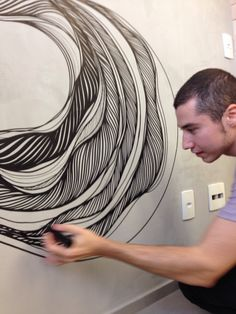 Arte de Giuliano Martinuzzo, na casa de cliente... Aproveitamos e virou festa! Abstract Watercolor Art, Wall Drawing, Mural Wall Art, Zen Art, Geometric Wall, Art Classroom, Wall Art Designs, New Artists, White Art