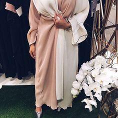 IG: Samar__AlAhmed    IG: BeautiifulinBlack    Abaya Fashion    Muslim Women Fashion, Arab Fashion, Mod Fashion, Kimono Fashion, Sporty Fashion, Street Fashion, Arabic Dress, Middle Eastern Fashion, Hijab Trends