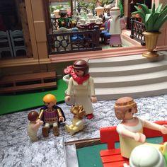 Ai que saudades de voce cunhada Rosina ! Olha a tua Amelie leva jeito com os pequenos ... #aduchesa #bonecorama #playmobil