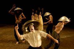 Cena do espetáculo 'Shi-Zen, Sete Cuias' do grupo Lume Teatro: apresentação no VI Festival Ibero-Americano de Teatro (Foto: Divulgação)