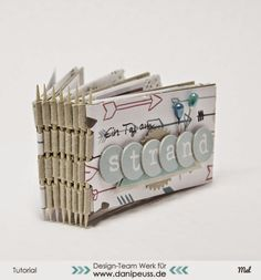 Minialbum Tutorial mit Piano Hinge Bindung / Zahnstocherbindung | eine Anleitung von Mel für www.danipeuss.de