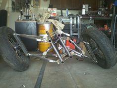 Another good tilting three wheeler design