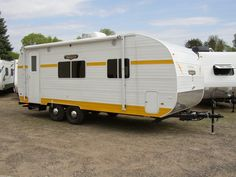 Check out this 2016 Riverside Rv WHITE WATER 189 Retro 189R listing in Elk River, MN 55330 on RVtrader.com. It is a Travel Trailer and is for sale at $17698. Retro Trailers, Retro Campers, Rv Campers, Camp Trailers, Little Trailer, Elk River, Airbnb Rentals, Rvs For Sale, Glamping