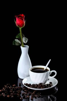 Among life's simplest, yet most enduring pleasures is a cup of hot coffee. Coffee Gif, Coffee Images, Hot Coffee, Coffee Break, Coffee Drinks, Coffee Shop, Coffee Type, I Love Coffee, Momento Cafe
