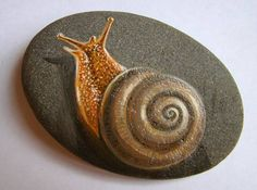 Pebble Painting, Pebble Art, Stone Painting, Painted Rock Animals, Hand Painted Rocks, Painted Stones, Rock Painting Patterns, Rock Painting Designs, Stone Crafts