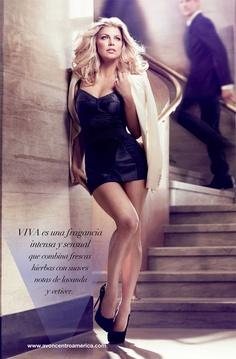 Viva by Fergie, una fragancia intensa y sensual que combina frescas hierbas con suaves notas de lavanda y vetiver.