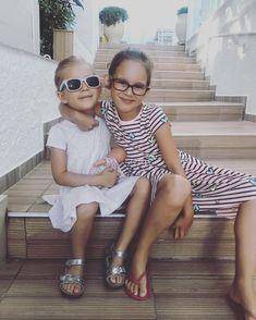 S  v á m i  m ě  b a v í  s v ě t #mygirls #latepost #vacation #greece #thassos #soulmates #siblings #sisters #segry #holcicky #unconditionallove #myeverything #prazdniny #laskanacelyzivot #loveyoutothemoonandback Siblings