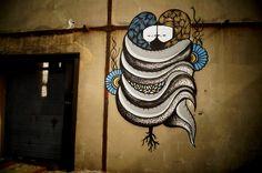 Street artiste basé à Avignon, Goddog propose un univers graphique propre peuplé d'étranges créatures hybrides et ultra colorées.