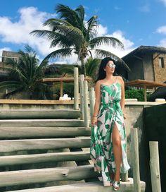 Look da Constanza Fernandes com regata e saia estampados com a cara do verão