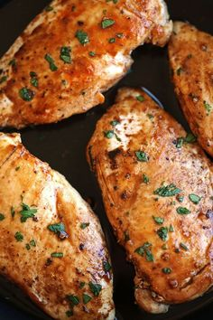 Try this healthy herb chicken drizzled with a delicious maple balsamic glaze!  eat-yourself-skinny.com