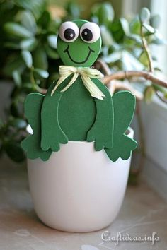 Your children will love having these unique planters around your house! These fun frogs provide friendly decor!