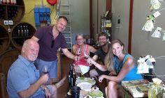 Una bellissima famiglia di artisti e professori è arrivate fin dal Kansas (alcuni addirittura dal Texas) per assaggiare i nostri prodotti! Wine Tasting Experience, Kansas, Texas, Italia, Texas Travel