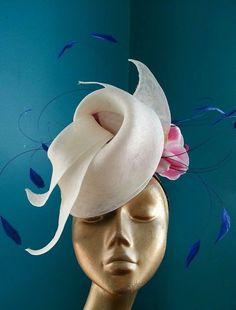 Como un ave del paraíso! #Hatsupply http://cincuentopia.com