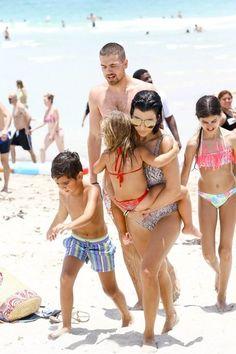 Kourtney Kardashian Photos - Kourtney Kardashian Enjoys a Day on the Beach in Miami - Zimbio