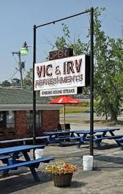 Vic & Irv Refreshments seabreeze BECAUSE ITS BETWEEN BILL GRAY'S AND DON AND BOB'S WE NEVER WENT HERE!!!!!