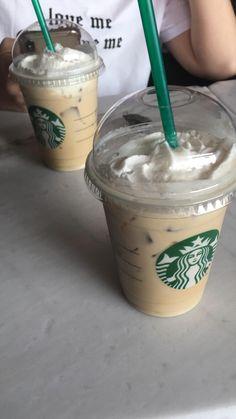 Fake Instagram, Story Instagram, Bebidas Do Starbucks, Starbucks Drinks, Starbucks Snapchat, Snap Food, Starbucks Recipes, Food Snapchat, Aesthetic Food