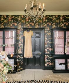 pearl lowe home interior House Of Hackney Wallpaper, Marble Effect Wallpaper, Pink Cabinets, Black Cabinets, Pearl Lowe, Deco Cool, Living Room Decor, Bedroom Decor, Antique Cupboard