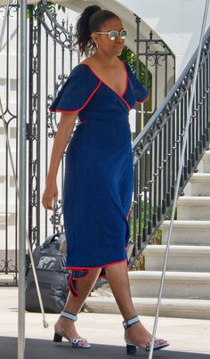 Michelle Obama in a blue and red Tory Burch wrap dress - click through for more summer outfit ideas!
