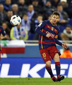 """fcbarcelona: Luis Enrique on Leo Messi's form: Hes playing really well. His fitness is always so strong and thats essential for us""""  Luis Enrique sobre Messi: El veig molt bé. Té un nivell físic que és habitual en ell i per a nosaltres és bàsic""""  Luis Enrique sobre Messi: """"Lo veo muy bien. Tiene un nivel físico que es habitual en él y para nosotros es básico""""  #Messi #LuisEnrique #FCBarcelona #igersFCB @leomessi"""