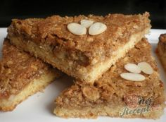 These nut corners are addictive - Backen - Bread Recipes White Chocolate Chip Cookies, Mint Chocolate Chips, Chocolate Recipes, Healthy Dessert Recipes, Easy Desserts, Cookie Recipes, Bread Recipes, Banana Bread French Toast, Gluten Free Banana Bread