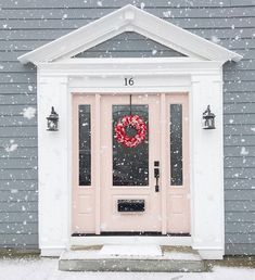 16 fabulous front door colour ideas to tryIs your front door in need of a quick facelift? A bold paint colour will give your home exterior a quick and inexpensive refresh. Front Door Paint Colors, Painted Front Doors, Front Door Design, Front Door Decor, Front Porch, Grey Houses, Pink Houses, Exterior House Colors, Exterior Doors