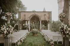 """""""I saw photos of Villa Cimbrone and instantly fell in love,"""" says the bride. """"There's a faded elegance to it, and the property is covered in lemon trees. Plus, it used to be a home, so has the feel of a private estate. Lilac Wedding, Elegant Wedding, Wedding Colors, Wedding Bouquets, Wedding Flowers, Dream Wedding, Wedding Things, Wedding Stuff, Wedding Cakes"""