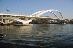 Visiter Lyon - Découverte de la ville des lumières: Les ponts du Rhône à vélo